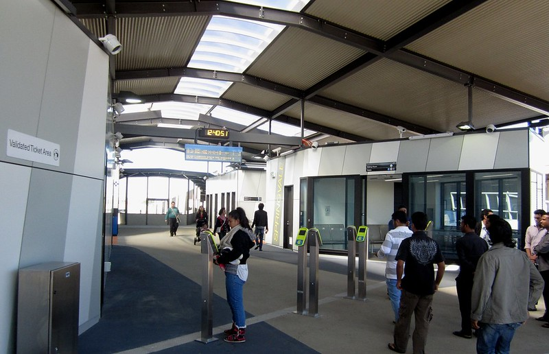 Entrance, new Springvale station, April 2014