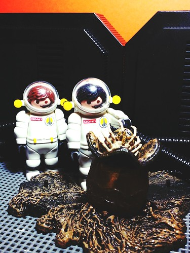 Becareful Kane!!!!! #geekology #geekshavethemostfun #aliens #nostromo #actionfigure