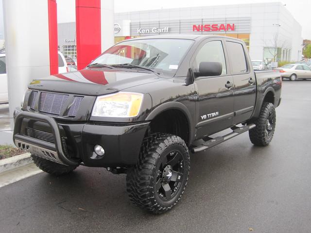 Nissan Titan lift kit   Flickr - Photo Sharing!