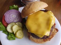 土, 2011-04-02 12:40 - 67 Burger ベーコンチーズバーガー