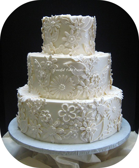Edible Lace For Wedding Cakes