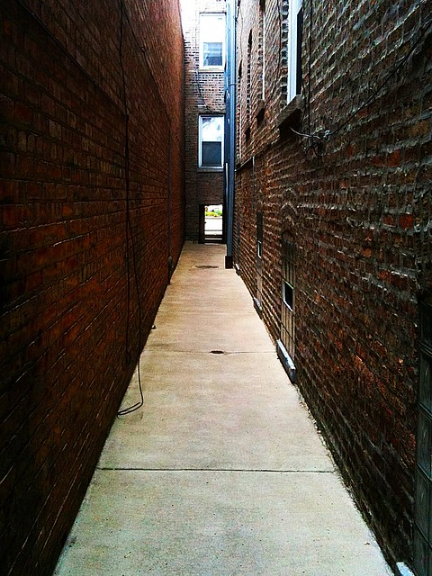 Between Two Buildings in a Chicago Gangway | Flickr ...