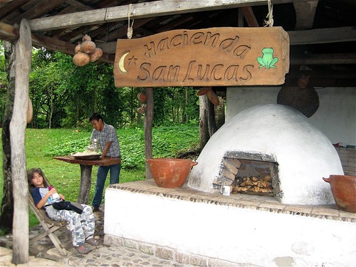 kid-travel-traditional-hacienda