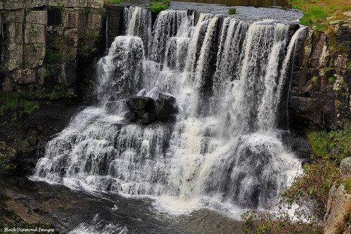 water waterfall australia falls waterfalls nsw upperfalls guyfawkesrivernationalpark waterfallway newenglandtablelands guyfawkesriver uppereborfalls eborfallsebor