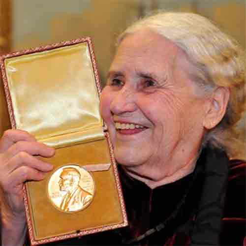 DORIS LESSING (22/10/1919 — 17/11/2013)