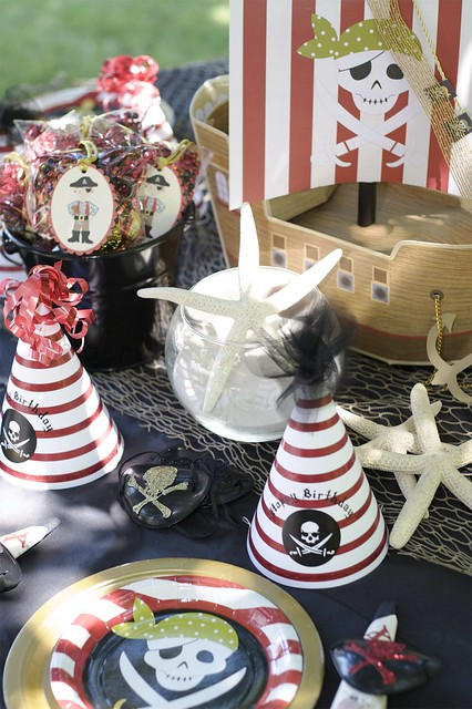 Pirate party decorations flickr photo sharing for R b party decorations