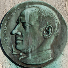 Photo of André Dignimont white plaque