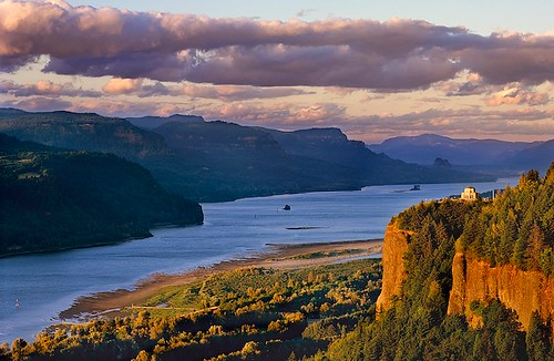 Columbia River Gorge by Mike Putnam