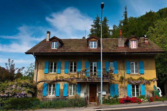 C 39 est une maison bleue 1 prilly route du mont avril 2 flickr - Chanson c est une maison bleue ...