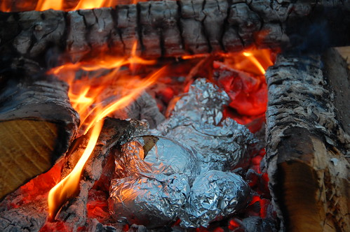 Come cucinare sotto la cenere