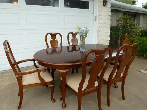 Beautiful Cherrywood Queen Anne Dining Room Set Chairs