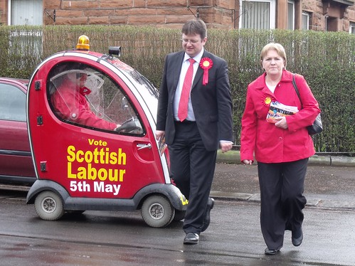 Stephen Curran and Johann Lamont campaign in Glasgow Southside