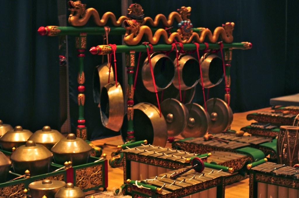 Gamelan Kusuma Laras  A Classical Javanese Gamelan Orchestra in New York City