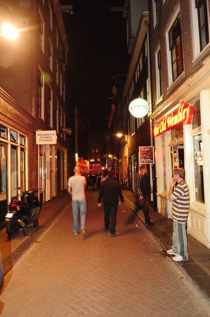 prostitutas binefar prostitutas barrio rojo amsterdam