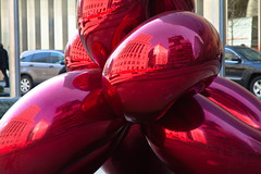 Jeff Koons balloon sculpture