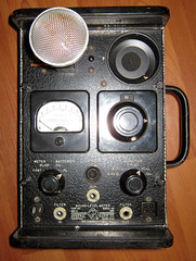 loudspeaker(0.0), radio(0.0), computer speaker(0.0), eye(0.0), electronic instrument(0.0), electronic device(1.0), multimedia(1.0), audio equipment(1.0),