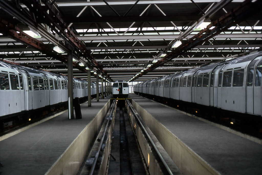 glc - inside northumberland park lte depot vic line 81 JL