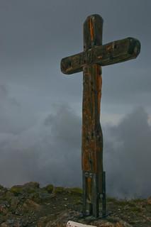 Cross on Pierre Avoi