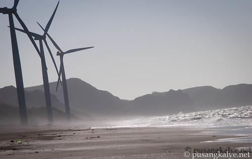 BANGUIwindmills_ilocosNORTE