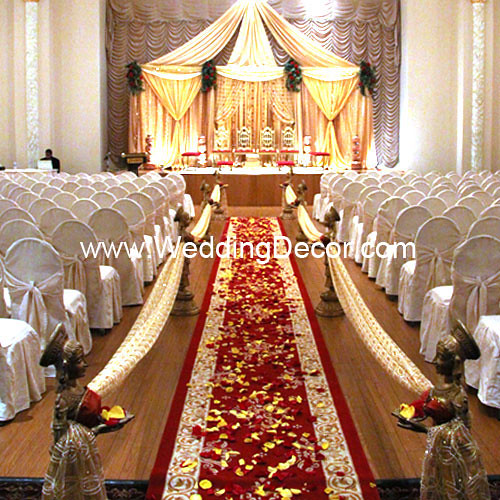 Mandap Gold Red A Wedding Mandap In Gold Fabric With A Flickr