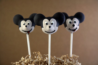 Mickey Mouse Clubhouse Cake Pops 11