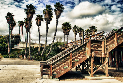 Step up to the Ventura Pier