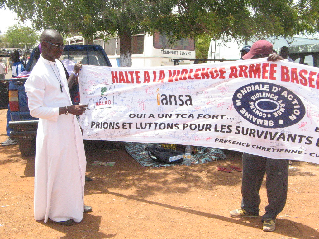 Week of Action Against Gun Violence 2011 - Senegal_resaal4