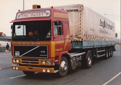 Volvo's (214)