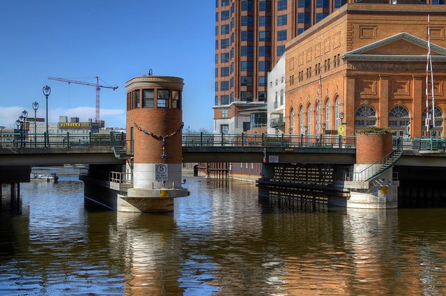 Spring Afternoon on the Milwaukee River
