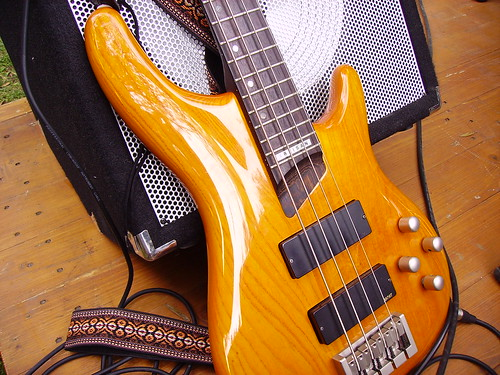 Guitare basse et amplificateur