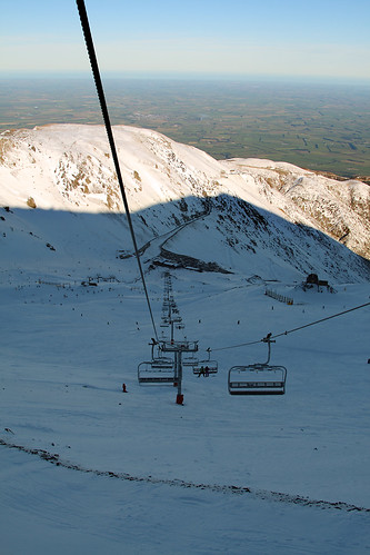 winter newzealand mountain snow canon skiing lift cable canterbury dslr chairlift mthutt 400d canonef2485mmf3545usm