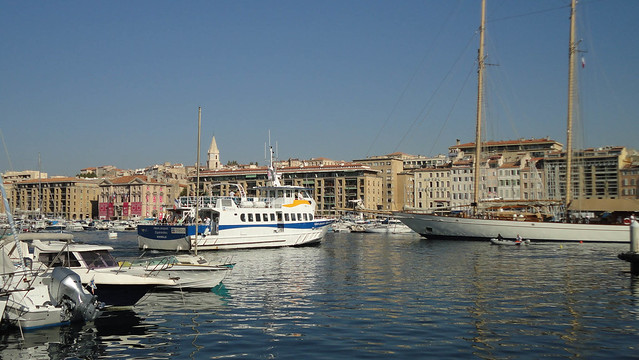 Touring around Marseille