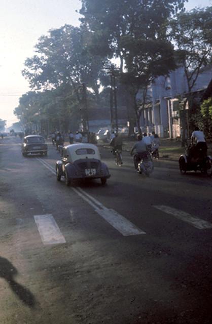 SAIGON 1965 - Le Van Duyet Street