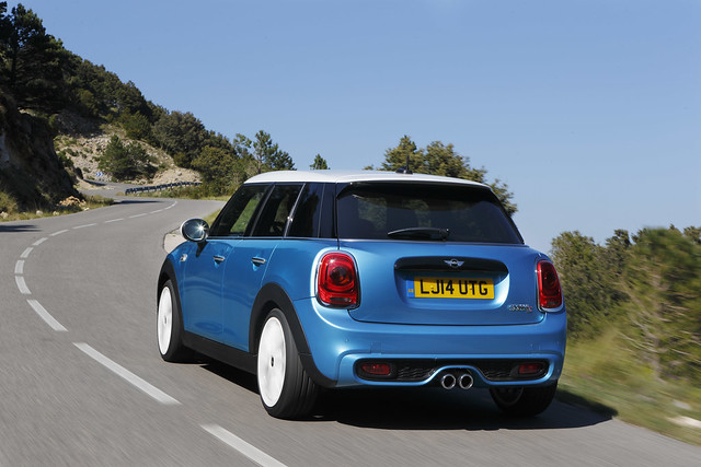 MINI F55 (5-door) Electric Blue Metallic