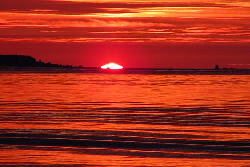 Sunrise at the Straights of Mackinac (June 30, 2011) by cseeman