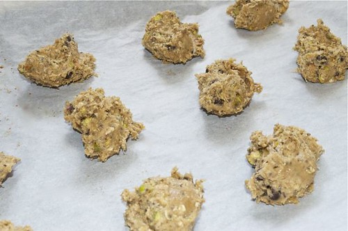 cookies with coconut, pistachios & chia 23