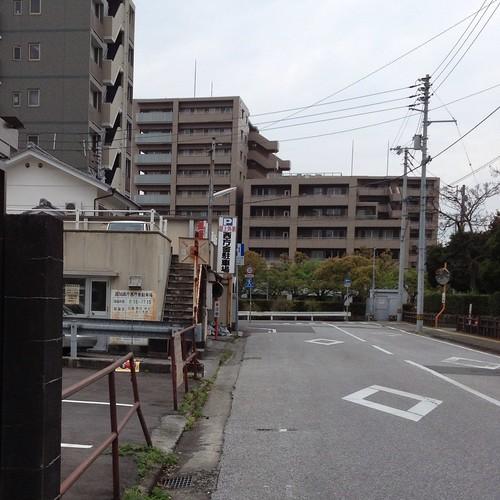高知県庁 西庁舎 県税事務所 駐車場 by haruhiko_iyota