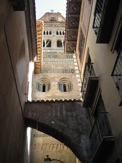 Las torres-campanario de Teruel capital dibujan un singular perfil urbano.