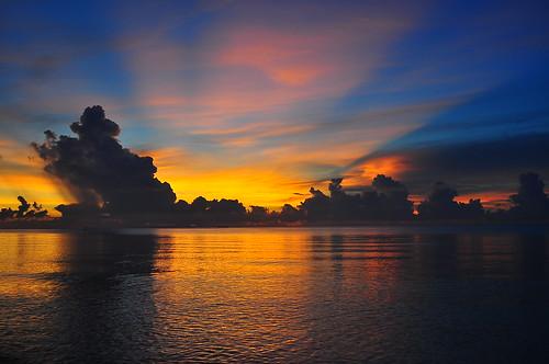 [フリー画像素材] 自然風景, 朝焼け・夕焼け, 海, 雲, 水平線 ID:201205201600