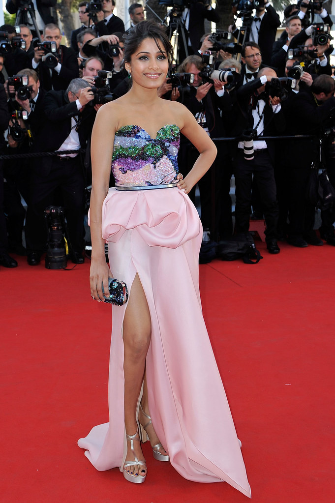 freida-pinto-michael-angel-cannes-2012