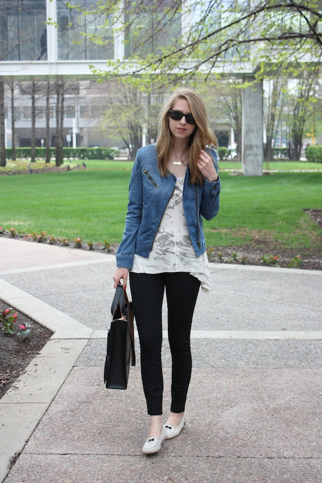 chelsea+lane+zipped+truelane+blog+minneapolis+fashion+style+blogger+loly+in+the+sky+j.crew+pixie+pants+lulus+moto+denim+jacket+lee+and+birch+kate+spade+saturday1