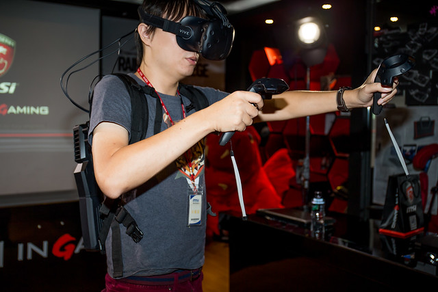 帶來更好的 VR 體驗!微星 VR ONE 背包阿輝體驗分享 @3C 達人廖阿輝