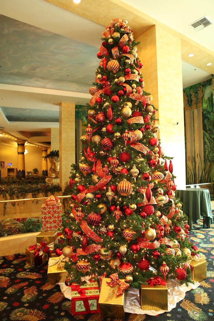 collection of christmas tree ideas red and gold christmas tree