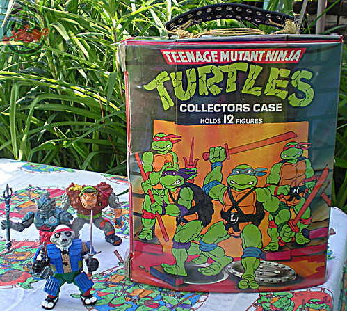 "Tara Toy Corp. :: ""TEENAGE MUTANT NINJA TURTLES"" - COLLECTORS CASE i (( 1988 ))"