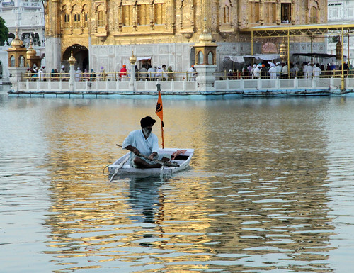 Amritsar Golden Temple, Cleaning
