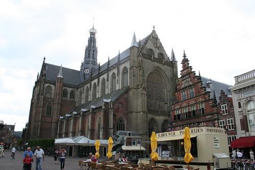 2010.07.15.062 - HAARLEM - Grote Markt - Grote of Sint-Bavokerk / Vleeshal