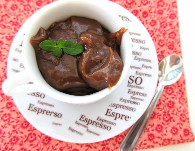 Brigadeiro de chocolate, café e menta