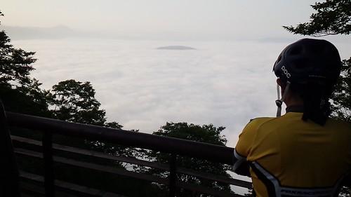 長内さん&雲海の十和田湖