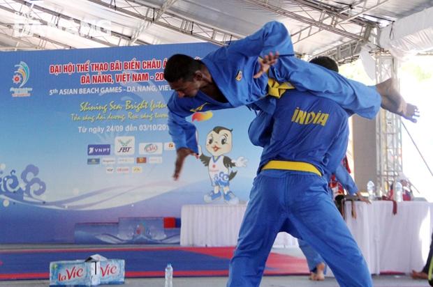 Các VĐV của Ấn Độ tích cực tập luyện cho nội dung thi đấu ở môn Vovinam.