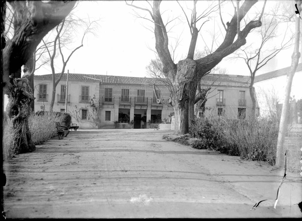 Cigarral de Buenavista a comienzos del siglo XX. Fotografía de J. Lacoste © MECD, Fototeca del IPCE, signatura VN-16749_P
